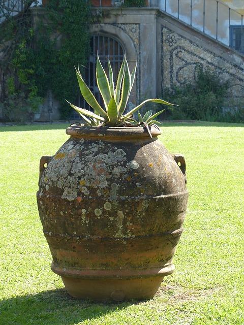 Anfore da giardino - Angoli di giardino ...