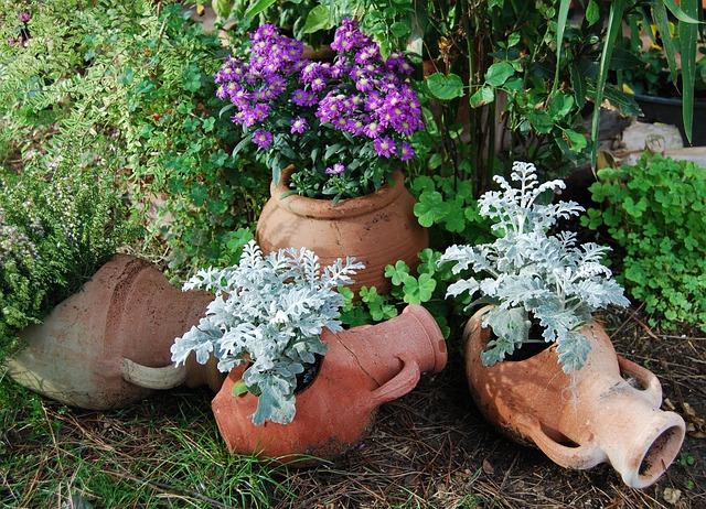Anfore da giardino for Sassi per fioriere