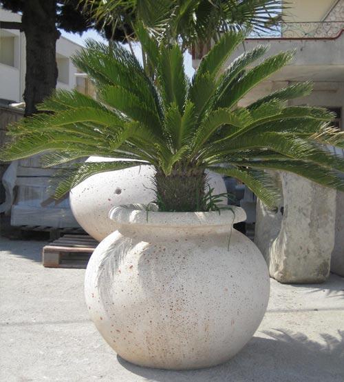 I vasi da giardino per arredare con piante e fiori for Piante per ingresso esterno