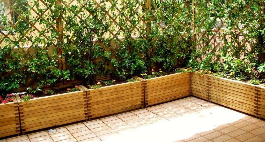 Vasi da giardino componibili edendeifiori for Grate in legno per balconi